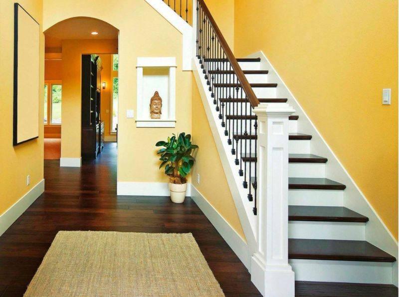10 советов по оформлению и освещению лестницы в частном доме + фото