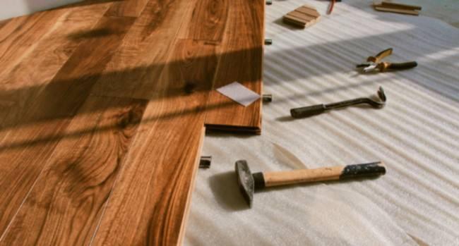 Как заделать дырку в ламинате: способы ремонта и материалы