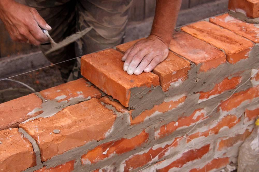 Кирпичная кладка (58 фото): какие бывают размеры? что влияет на толщину стены и для чего нужны вентиляционные коробочки?