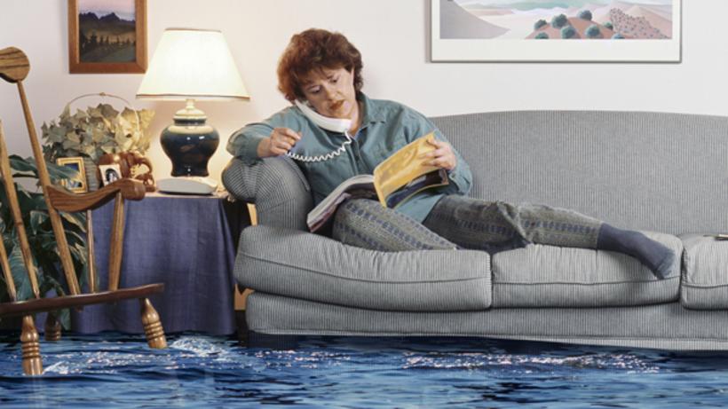 Затопили соседи сверху: что делать, куда обращаться и другие советы