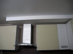 Как в частном доме вывести вытяжку на кухне на улицу? план работ
