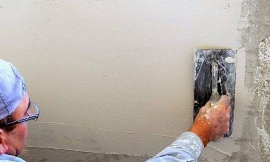 [инструкция] как правильно шпаклевать стены под обои | видео