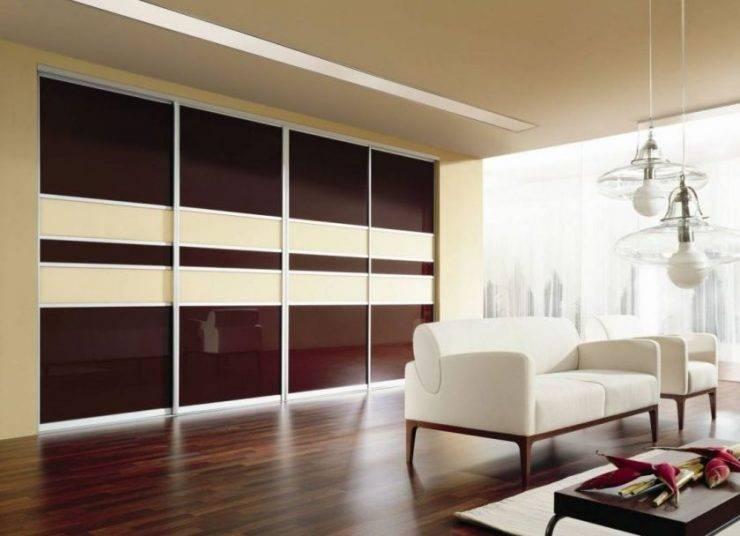 Шкафы-купе в гостиную во всю стену: отличное решение для уютного дома
