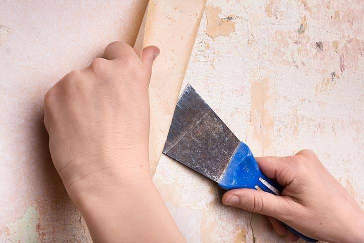 Как снять старые обои со стены: основные способы