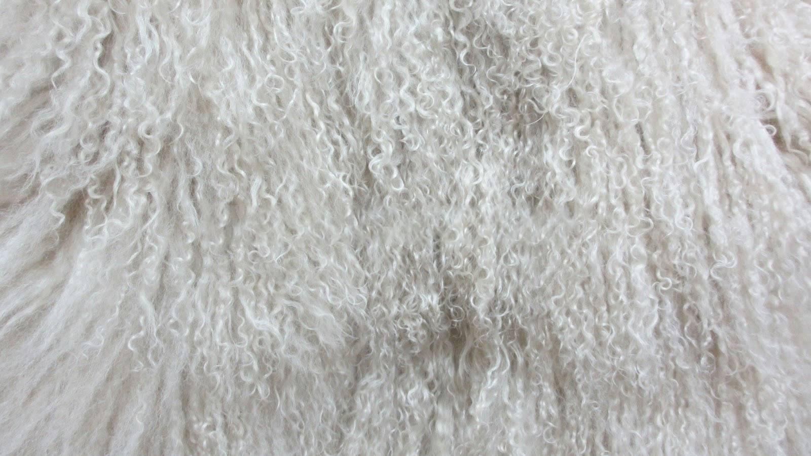 Особенности ковров из овчины