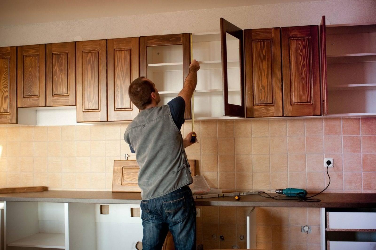 Реставрация кухонного гарнитура: как обновить старую кухню своими руками