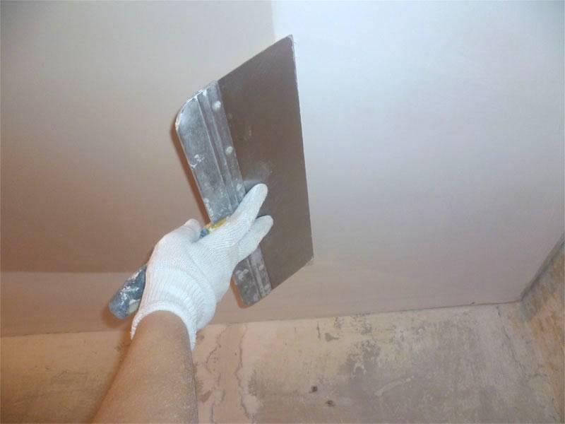 Какой шпаклевкой шпаклевать потолок из гипсокартона видео
