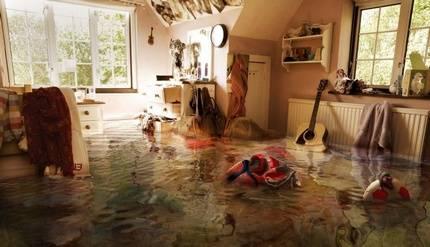 Затопили соседи сверху: что делать и куда обращаться