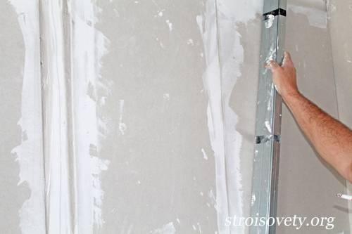 Как приклеить гипсокартон к стенам разного типа: 3 лучших смеси