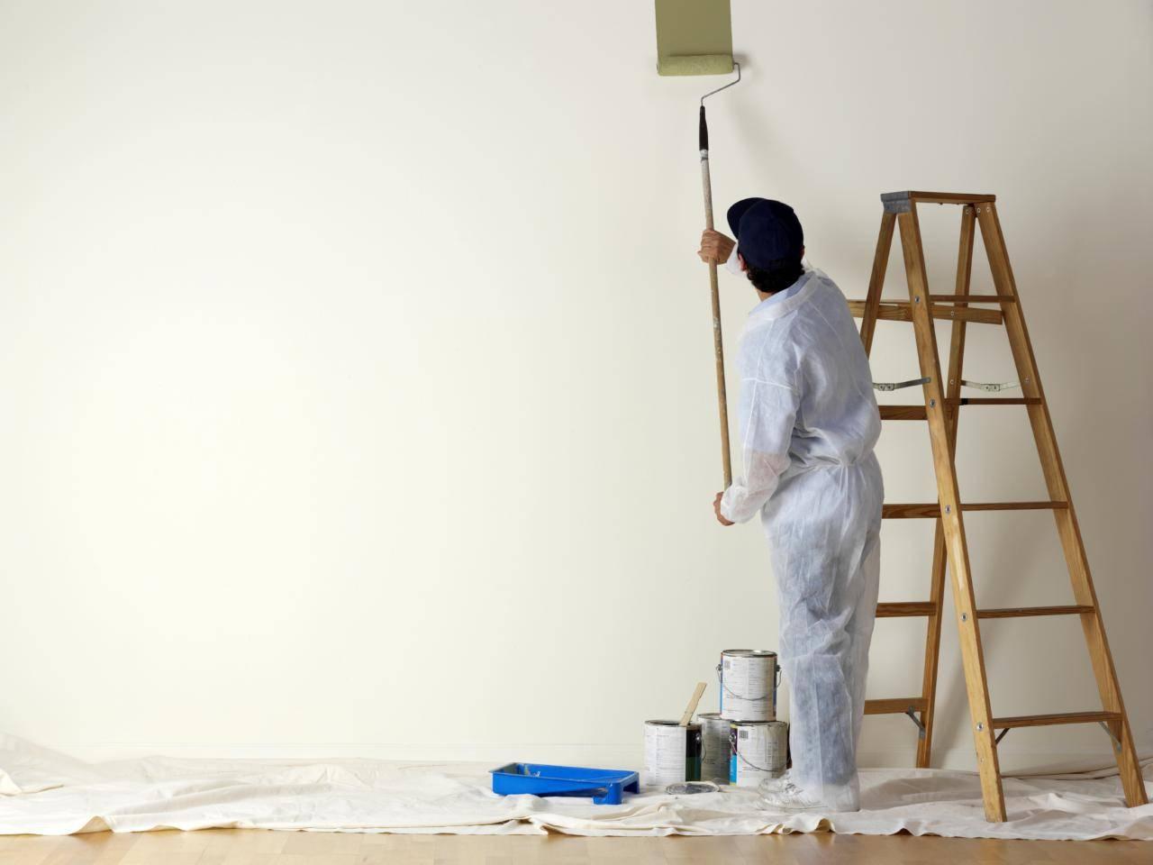Подготовка стен под покраску: порядок работ, технология выравнивания штукатуркой своими руками