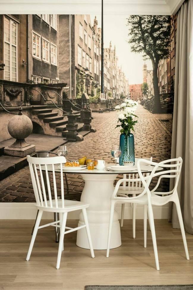 Фотообои на кухню (99 фото): настенные обои в дизайне интерьера, идеи для маленькой кухни, фотообои с зелеными тюльпанами и орхидеями, а также с другими цветами и городами