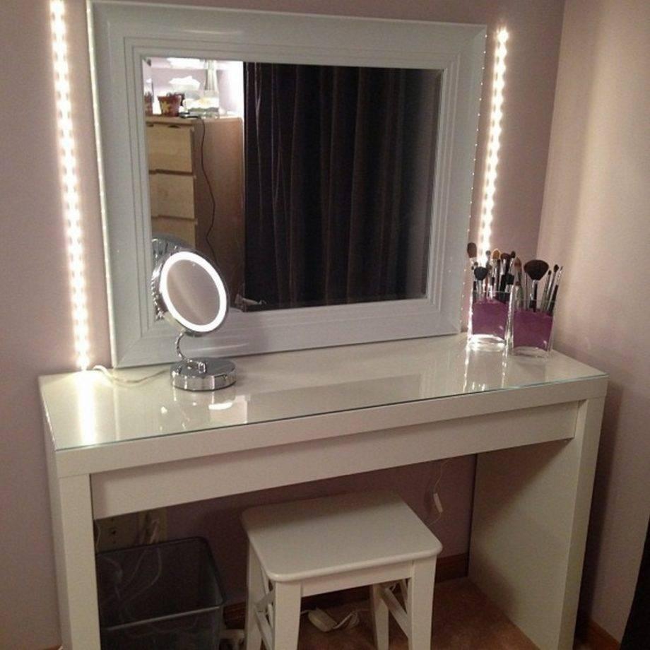 Доводим интерьер до совершенства, или как выбрать зеркало с подсветкой в ванную