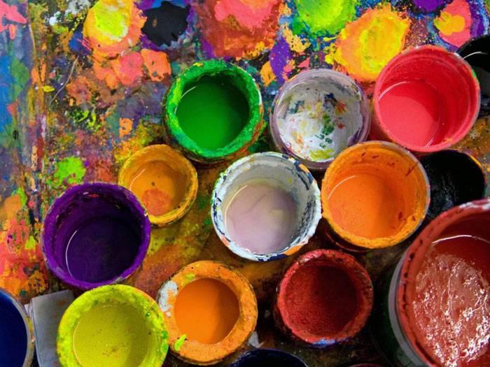 Краска для внутренних работ: силикатная и поливинилацетатная краска по штукатурке и по дереву, составы для стеклообоев dali