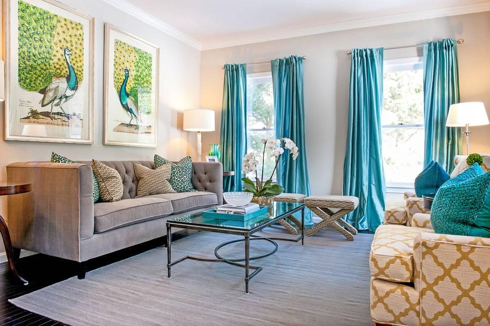 Бирюзовые шторы в интерьере гостиной (55 фото): сочетание штор цвета бирюзы с темным, светлым и бежевым интерьером, красивые примеры дизайна