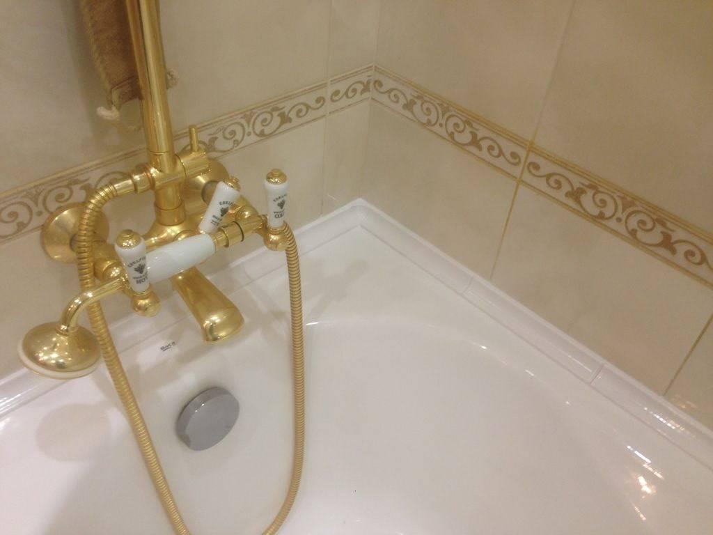Чем заделать щель между стеной и ванной: эффективные способы