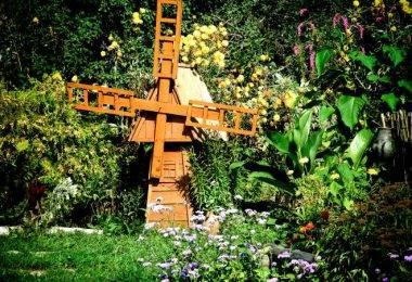 Строим декоративную мельницу для сада своими силами: пошаговый мастер-класс