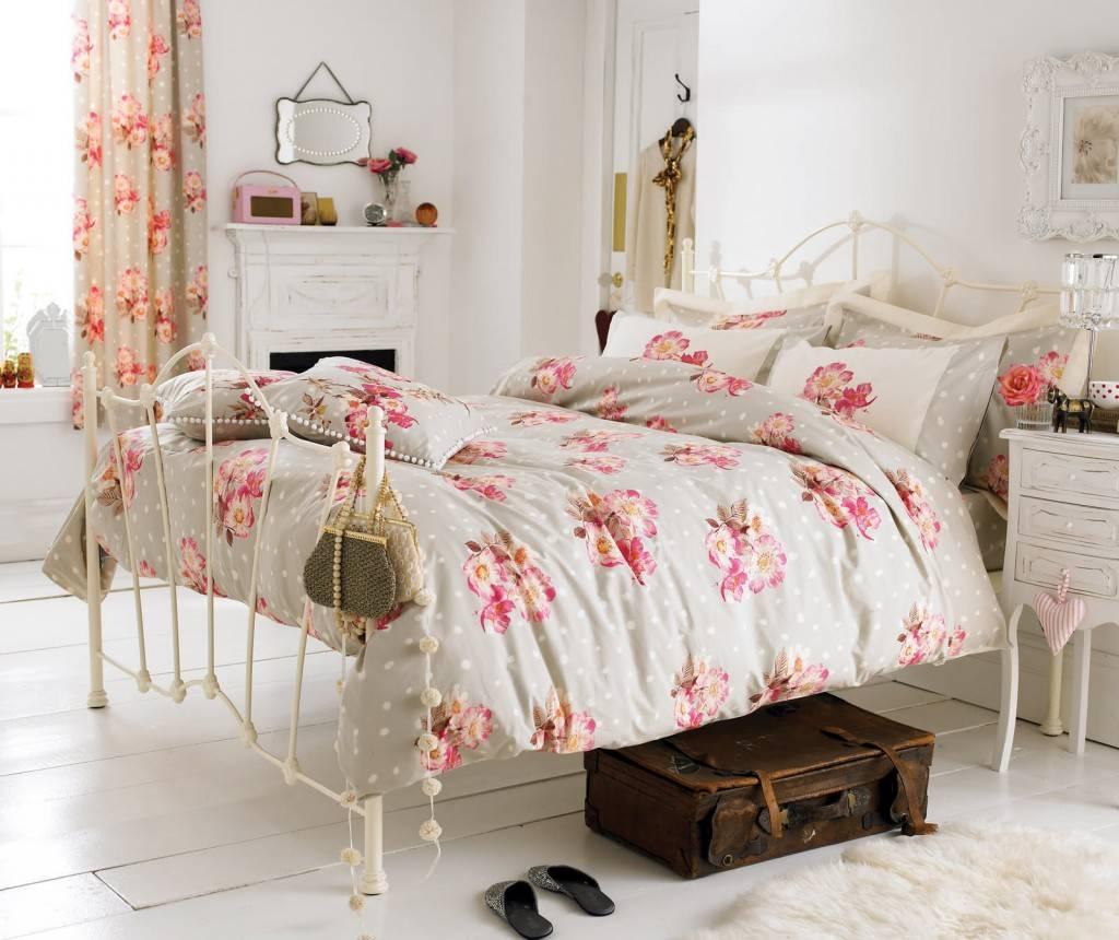 Дизайн гостиной в стиле шебби шик, фото – rehouz