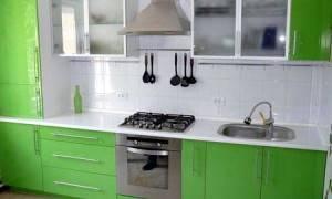 Нужна ли вытяжка на кухне с электроплитой
