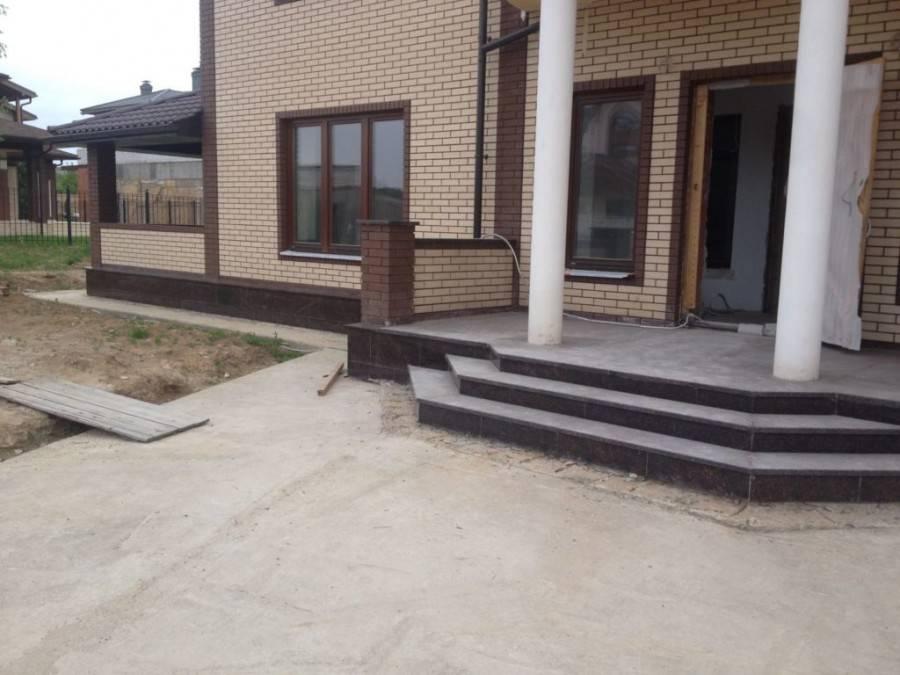 Выбор дизайна для крыльца дома - материалы, конструкции. 75 фото