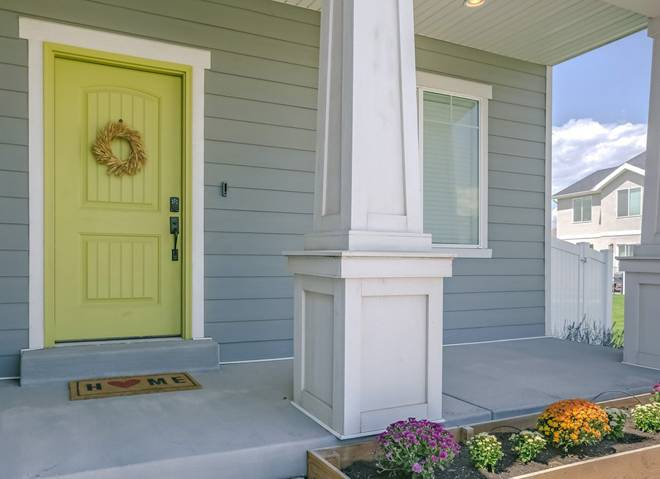 Краска для межкомнатных дверей без запаха: простой секрет выбора