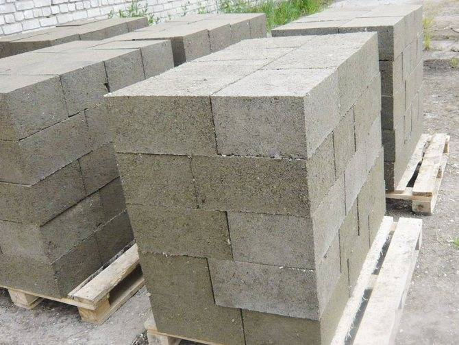 Блоки из цемента и опилок