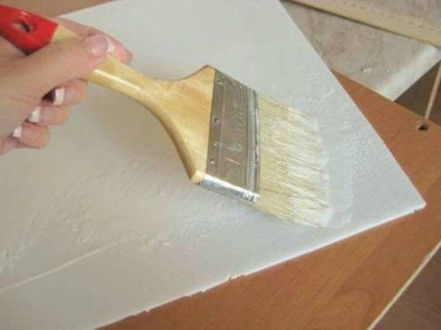 Как клеить потолочную плитку: тонкости процесса