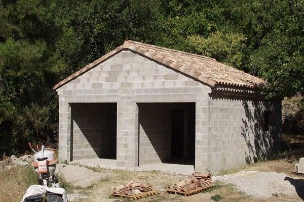 Этапы и правила постройки гаража из шлакоблока своими руками