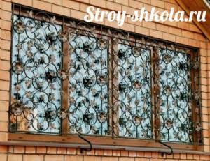 Решётка на окно – особенности изготовления своими руками