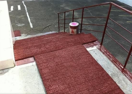 Противоскользящее покрытие: резиновая плитка для крыльца на улице, антискользящий коврик для ступеней лестницы