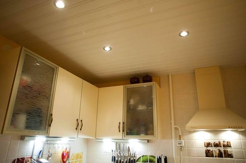 Потолок из пластиковых панелей на кухне: фото и видео инструкция, как сделать своими руками, видео