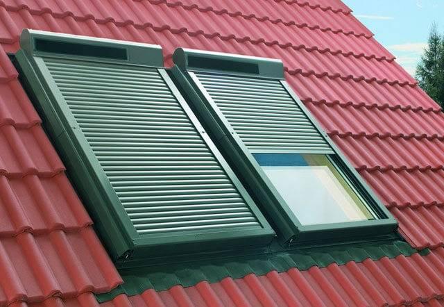 Слуховое окно на крыше: устройство и монтаж с фото