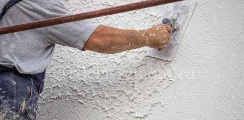 Фасадная шпаклевка для наружных работ: водостойкая под покраску стен по штукатурке и бетону, морозостойкая старатели, цементная церезит