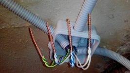 Пайка скруток проводов в распределительной коробке